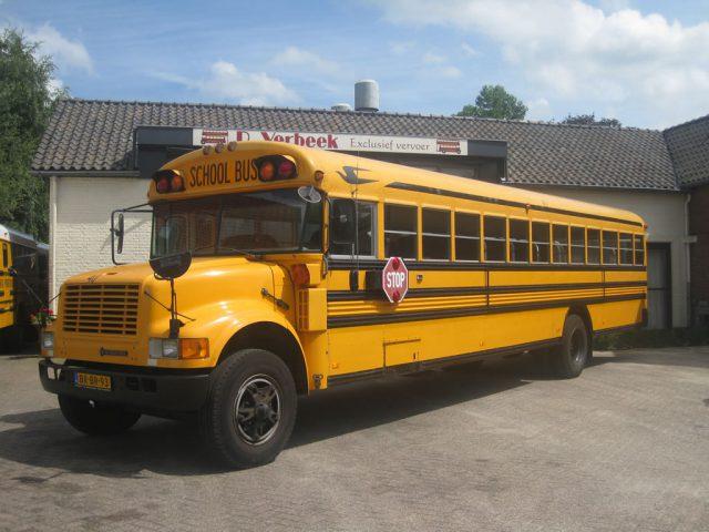 Amerikaanse schoolbus huren voor trouwerijen