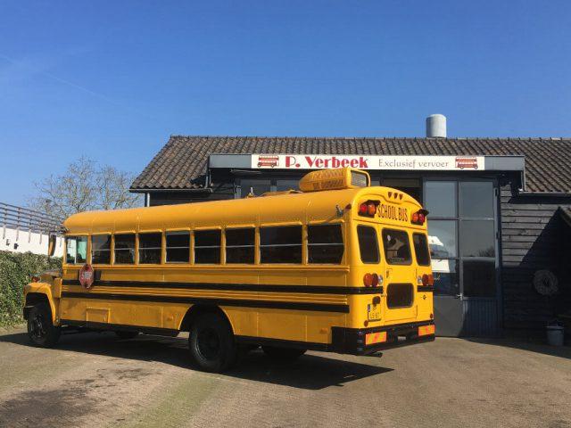 Schoolbus met airco camper oldtimer
