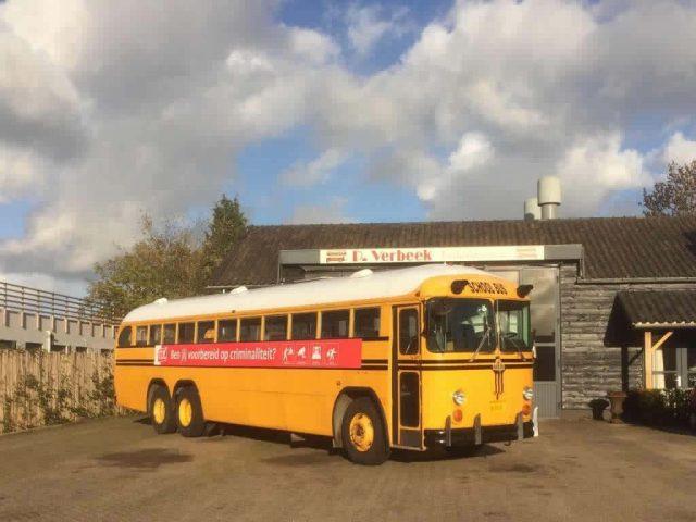 amerikaanse schoolbus voor promotie