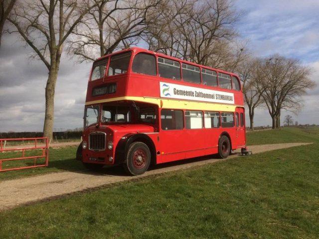 stembus reclame bus oldtimer dubbeldekker te huur